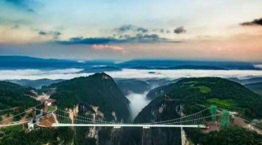 王牌湖南(长沙、橘子州、玻璃桥 、天门山、凤凰双